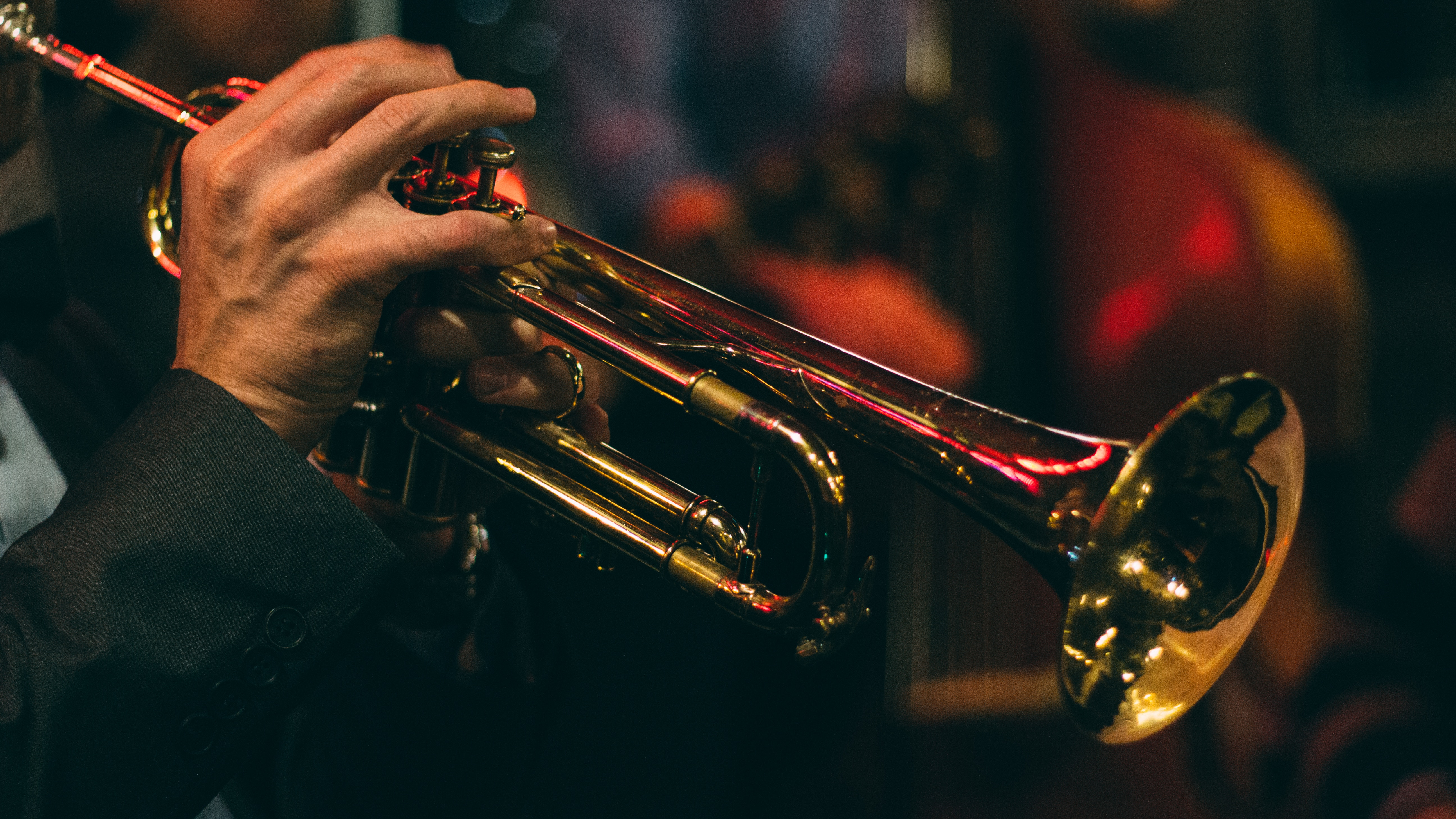 chris bair 453935 unsplash trumpet